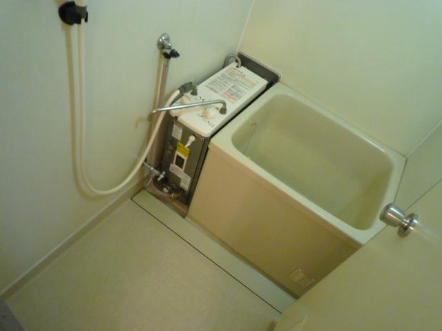 十王ハイツ 202号室の風呂