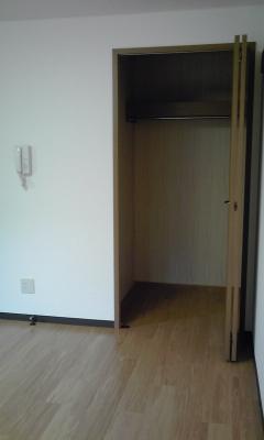 メゾン御生 104号室の玄関