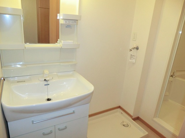 フリーデ・M 103号室の洗面所