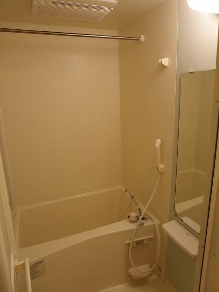 ジュネス飛田給 204号室の風呂