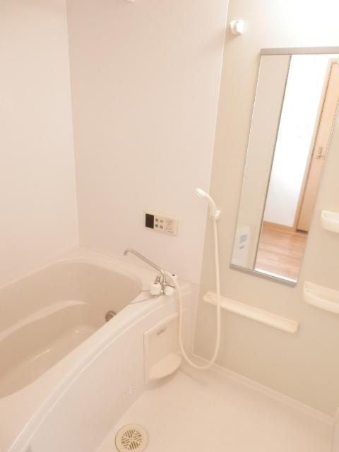 マ・シェリ・カトル 101号室の風呂