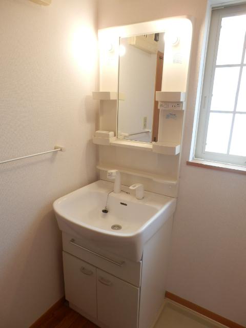 マ・シェリ・カトル 101号室の洗面所