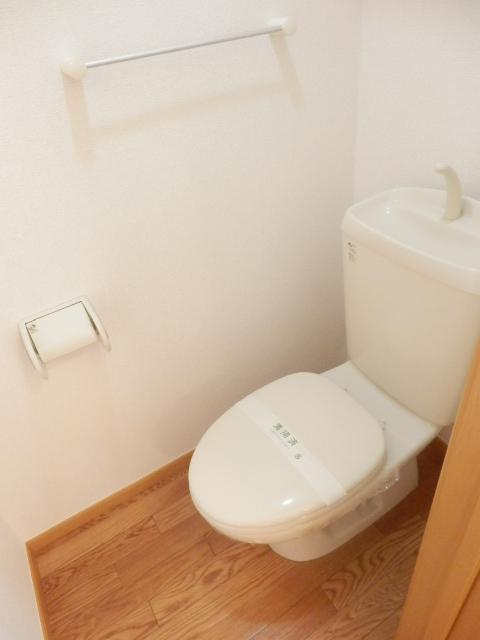 マ・シェリ・カトル 101号室のトイレ
