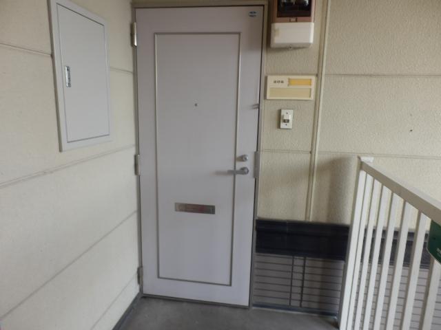 ニューエリールツムラⅠ 02020号室のエントランス