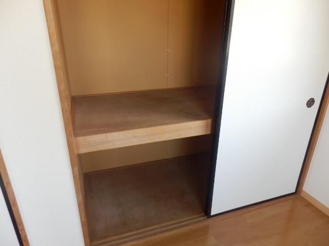 ニューエリールツムラⅠ 02020号室の収納