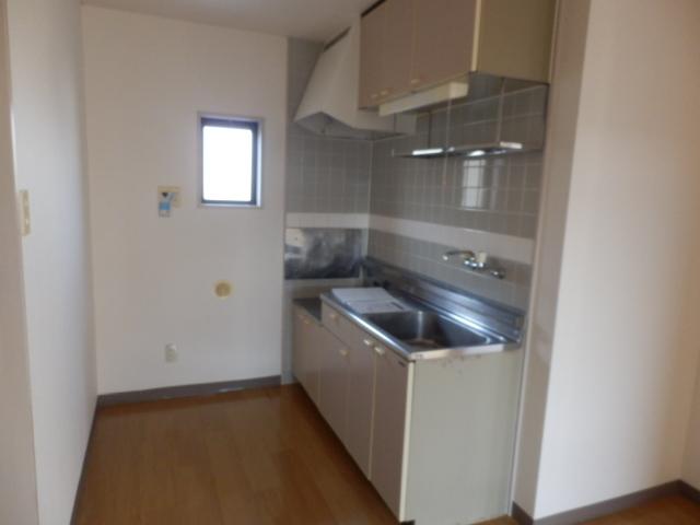 ニューエリールツムラⅠ 02020号室のキッチン