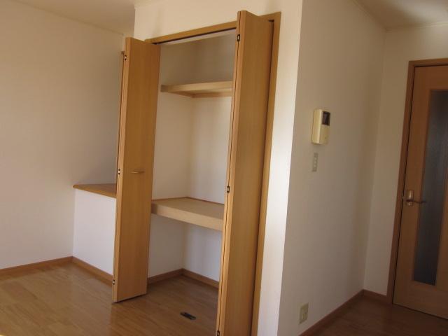 コロレ 02010号室の収納