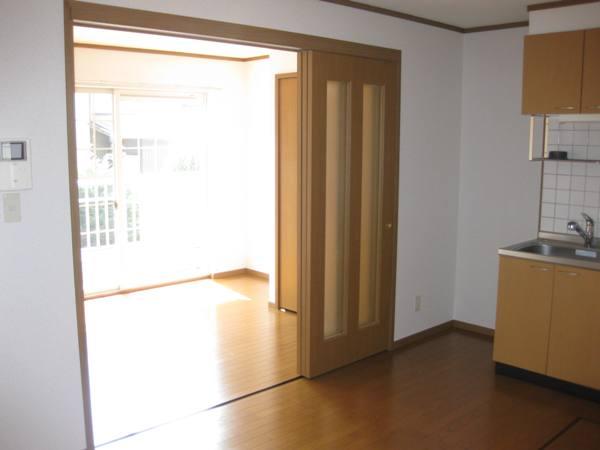 シャン・ド・ポワ-ルA 01020号室のリビング
