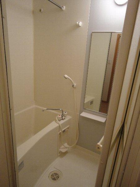 サンガーデンU 103号室の風呂