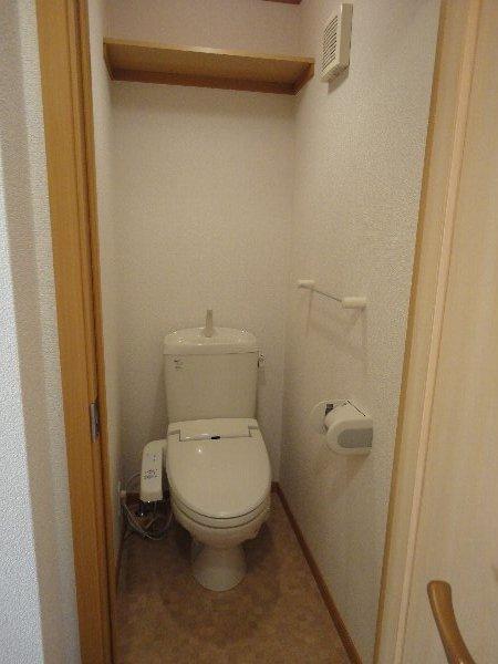 サンガーデンU 103号室のトイレ