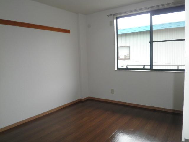 ファミール下之宮1 01030号室の居室
