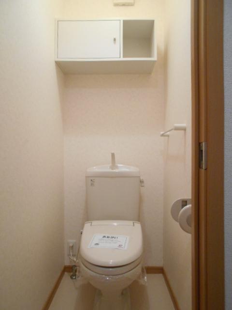 ソレイユ・ルヴァンC 103号室のトイレ