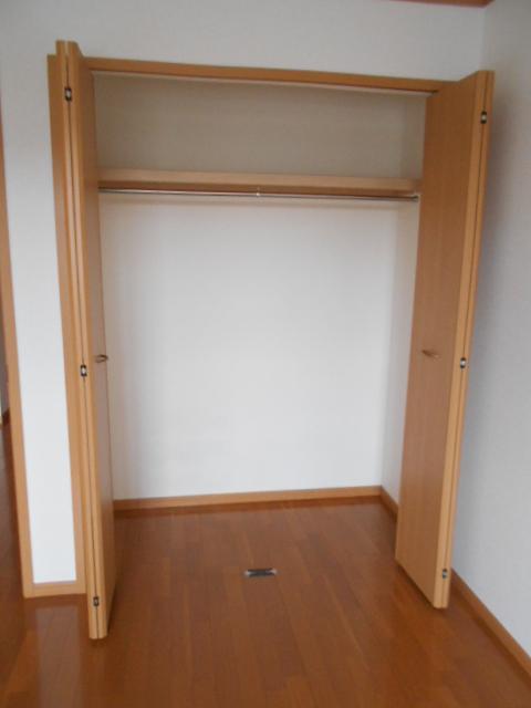 ソレイユ・ルヴァンC 103号室の収納