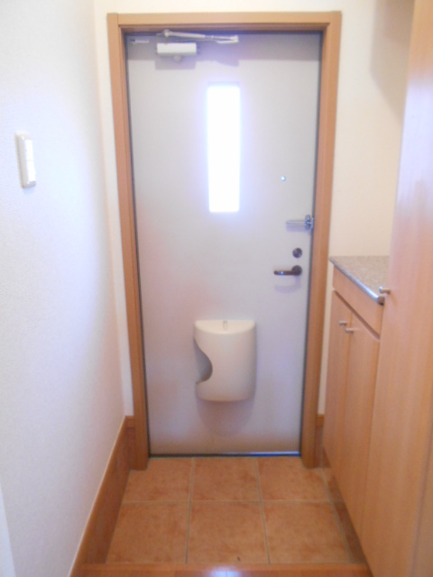 ソレイユ・ルヴァンC 103号室の玄関