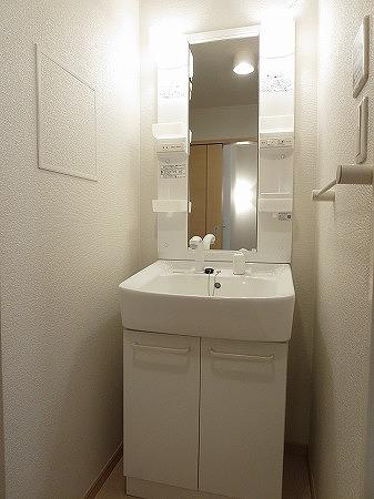オン ブラージュ 201号室の洗面所