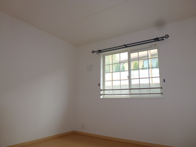 ソーレ セレーノ 201号室の居室