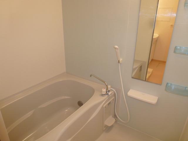 ソーレ セレーノ 201号室の風呂