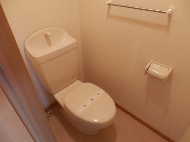 ヒルサイドテラス上中里 02020号室のトイレ