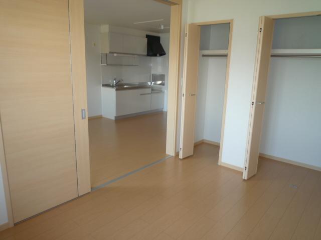カーサヴィオラA 02010号室の居室