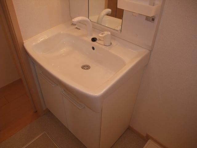 オスピターレ カーサⅠA 02020号室の洗面所