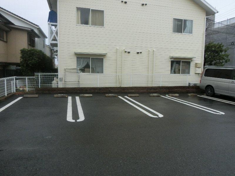 グランド メゾン 01010号室の駐車場