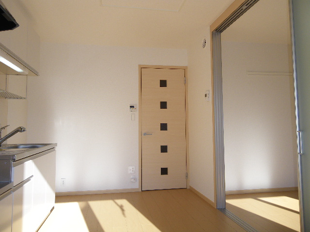フォーカーレⅡ 01010号室のリビング