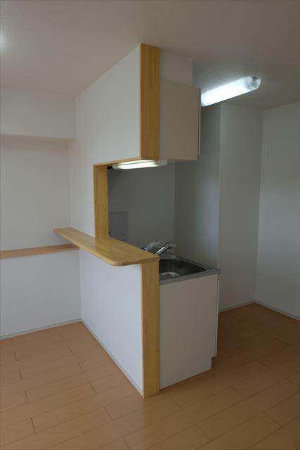 クローバーハイツ本城 02020号室のキッチン