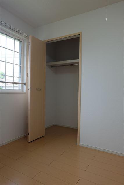 クローバーハイツ本城 02020号室の収納