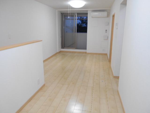 グリーン ガーデン 04020号室のリビング