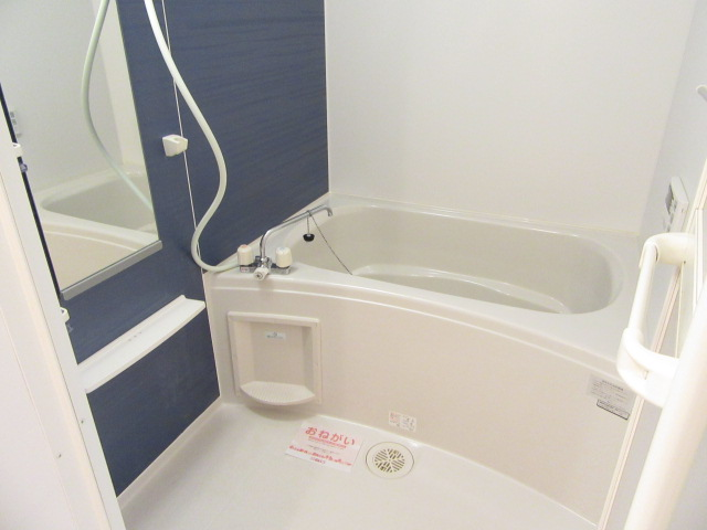 ニューグランシェルⅠ 01030号室の風呂