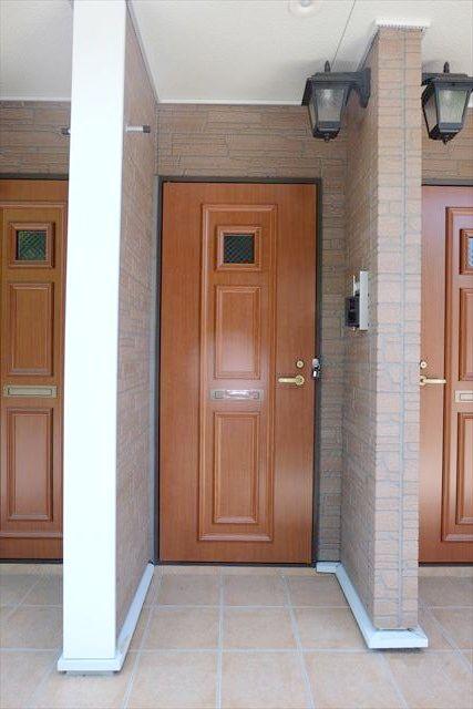 プリムローズ 101号室の玄関