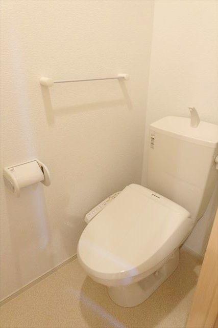 プリムローズ 101号室のトイレ