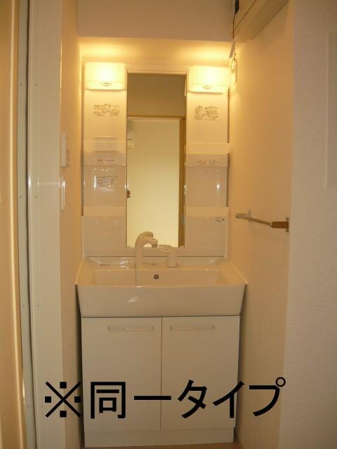 ヴィラ庄司田 301号室の洗面所