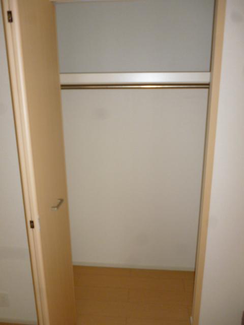フォーシーズンⅠ 01020号室の収納