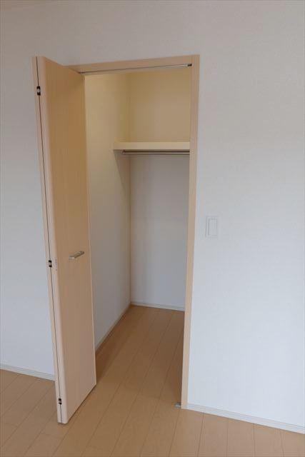 ヴェルレーヌ・レジデンスC 02040号室の収納