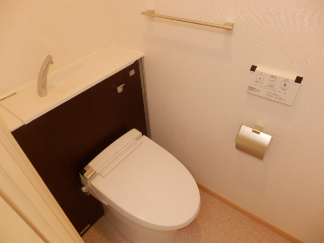 サンリット三建 403号室のトイレ