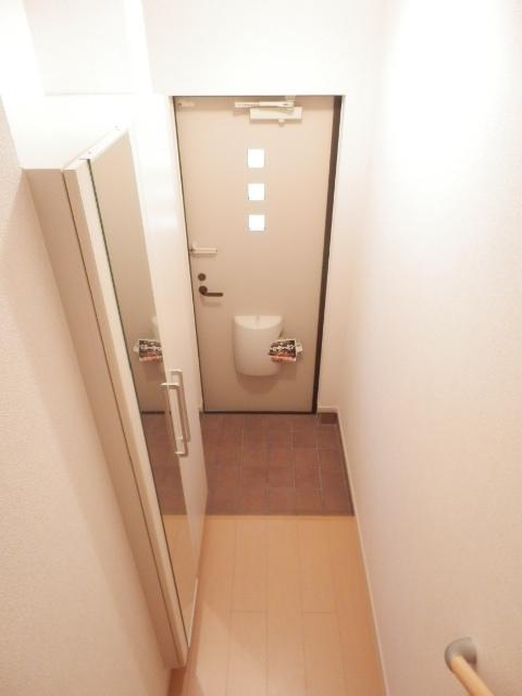 ムーンライト 02040号室の玄関