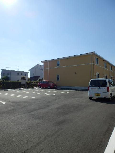 ムーンライト 02040号室の駐車場