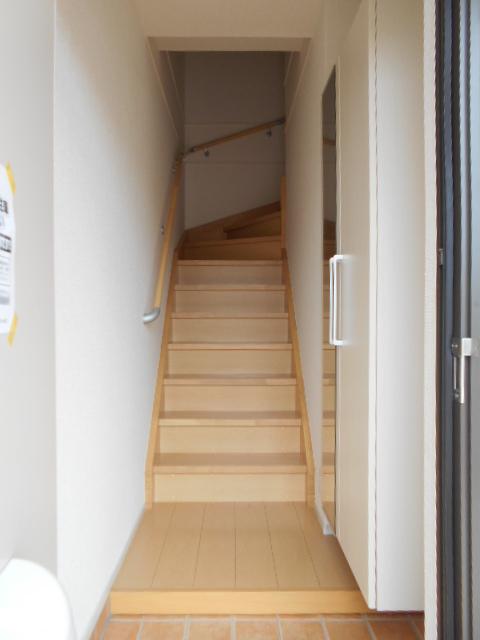 シュシュグランツ B 02020号室の玄関