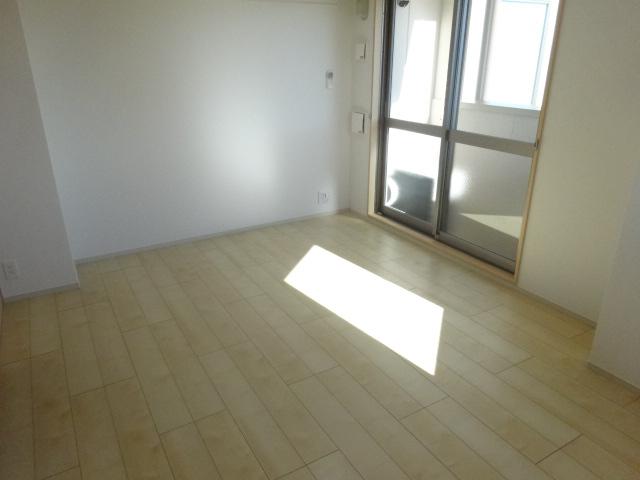 ジラソーレ 上桂 103号室の居室