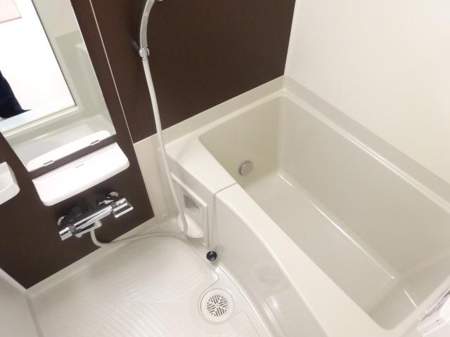 ジラソーレ 上桂 103号室の風呂