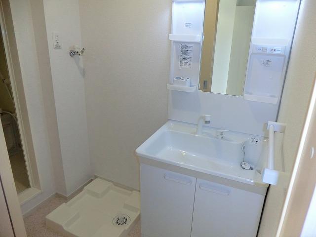 レ・セーナ 102号室の洗面所