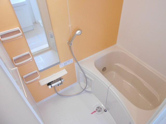サン・ルーチェⅣ 02040号室の風呂