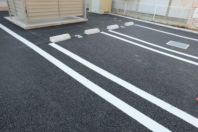 ブリアンローズ 02020号室の駐車場
