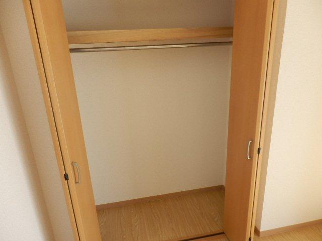 ビューヒル南 0102号室の収納