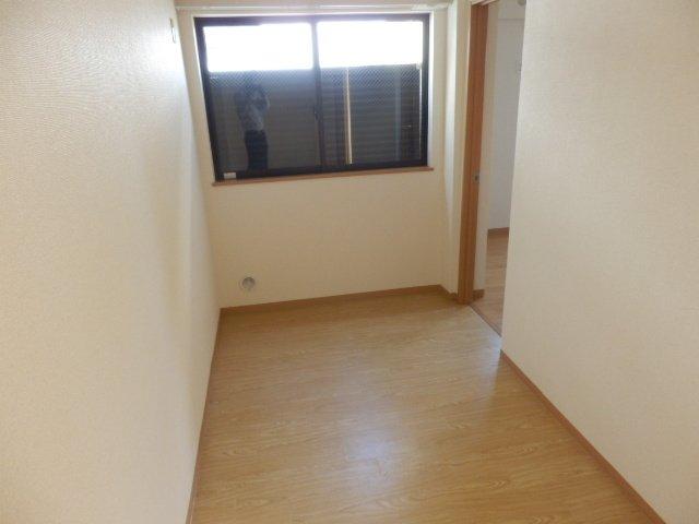 ビューヒル南 0102号室のリビング