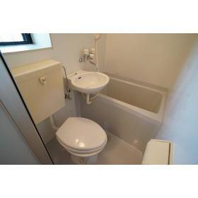 カインドハウス杉田 301号室の風呂