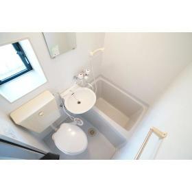 カインドハウス杉田 301号室の洗面所