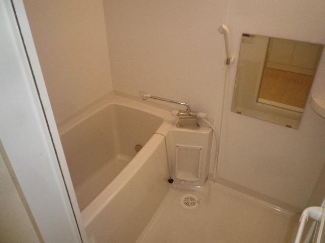 ルネス第三銀生 103号室の風呂