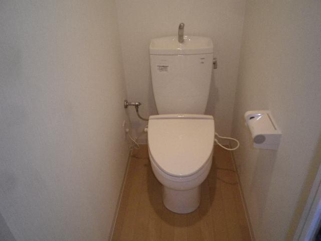 ルネス第三銀生 103号室のトイレ